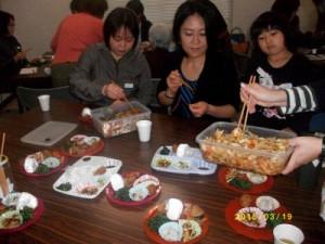 奥様方が作って来られた煮物・和え物・お漬物など6品、美味しくて何度もおかわりしました。