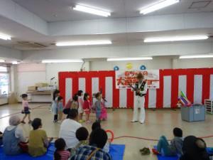 はるちゃんの大道芸ショーではバルーンアートのプレゼントもありました。