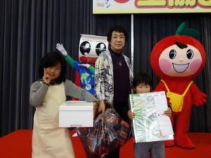 大抽選会で1等(ミル付ミキサー)を当てられた熊本市南区の樹木世津子様