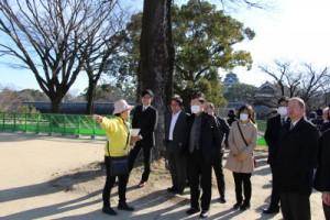 熊本城ではボランティアガイドによる説明を受けた