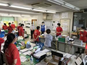 人吉球磨支所の朝礼の様子(写真中央:嶋田理事長)